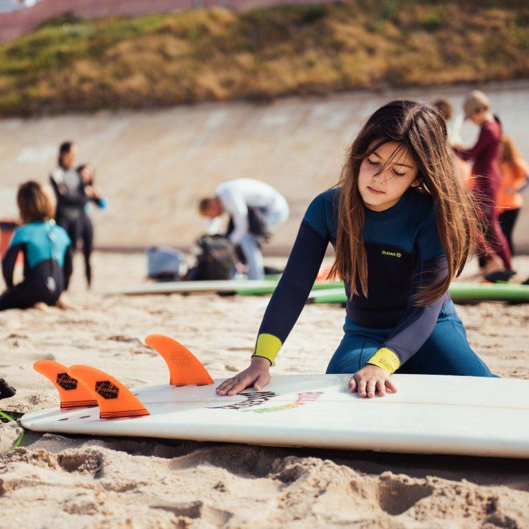 Clase de surf iniciación para niños.